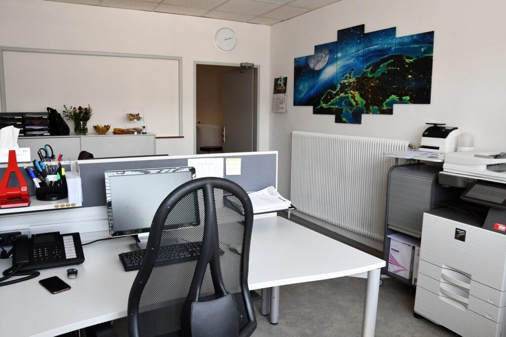 Büro 9